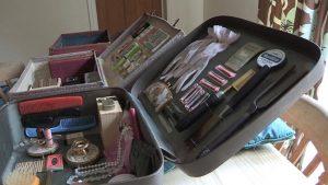 skn-suitcase